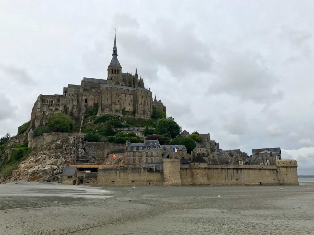 mont saint michel by night love in the city of lights. Black Bedroom Furniture Sets. Home Design Ideas
